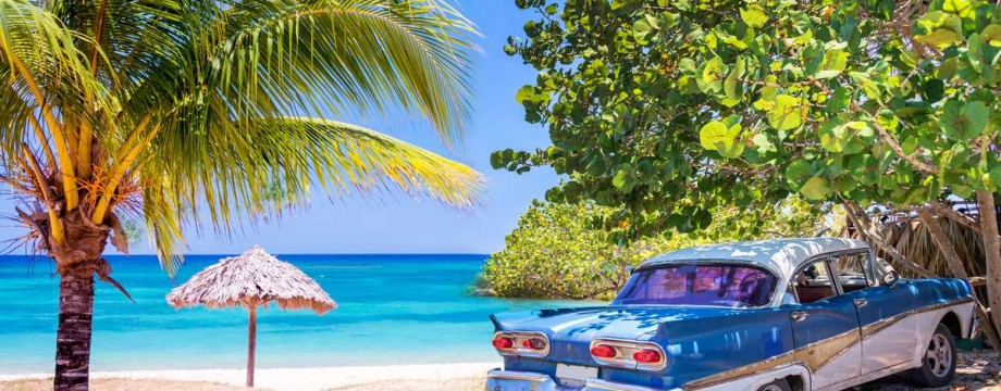 https---ns.clubmed.com-fbs-RWD-Circuit-BlocEdito-iStock-610244358_CUBA_VoiturePlage